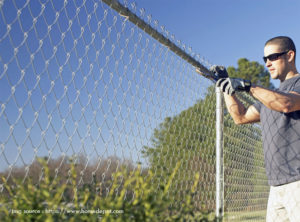 Factors to Consider When Hiring Fence Contractors